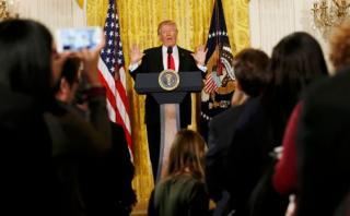 "Donald Trump critica la ""deshonestidad"" de la prensa"