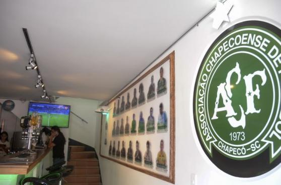 Chapecoense: el bar que se abrió en Medellín en honor al equipo
