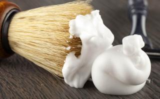 7 usos que le puedes dar a la crema de afeitar en casa