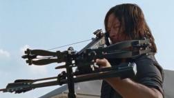 "Daryl recupera su ballesta en ""The Walking Dead"" 7x10 [VIDEO]"