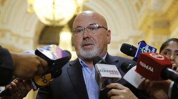 Bruce niega cisma entre bancada oficialista y partido PPK