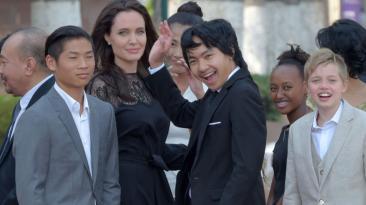 Angelina Jolie reapareció en público y junto a sus hijos