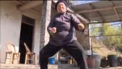 A los 94 años protege a sus vecinos gracias al kung-fu