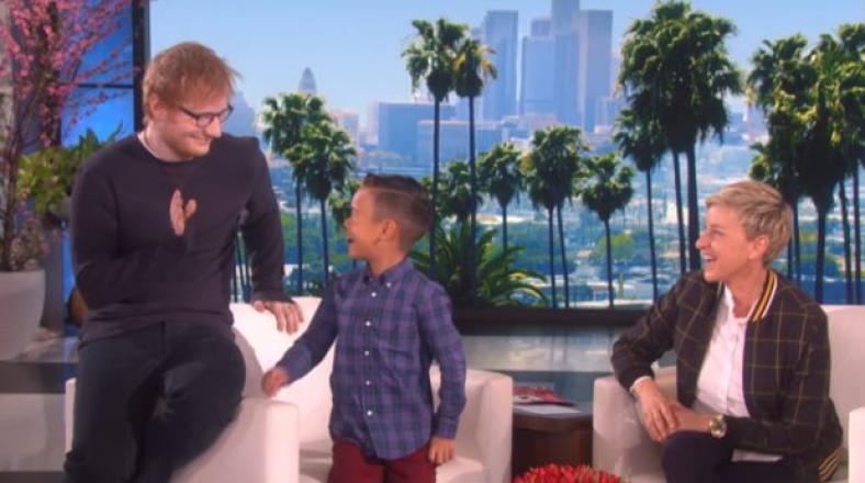 YouTube: Ed Sheeran sorprendió a fan de ocho de años