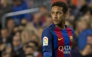 Neymar y el Barcelona irán a juicio por cargos de corrupción