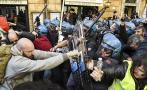 Enfrentamientos entre policías y taxistas en huelga contra Uber