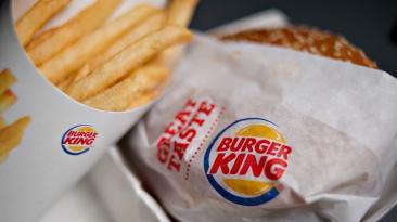 Burger King y Popeyes: La historia de dos líderes del fast food