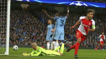 Falcao volvió a Manchester y casi arruina la fiesta del City