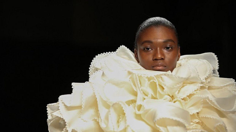 Lado B: Las tenidas más vanguardistas del London Fashion Week