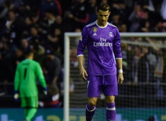 Real Madrid perdió 2-1 contra el Valencia por Liga española