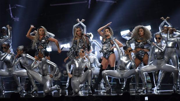 El grupo Little Mix abrió la ceremonia de los Brit Awards 2017. (Foto: AFP)