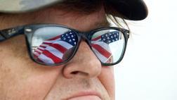 """Los 10 pasos de Michael Moore para """"frenar"""" a Trump"""