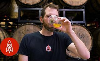 Maestro universitario recupera recetas de cervezas ancestrales