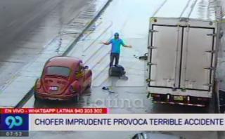 Uno de los autos chocados en Magdalena. (Foto: WhatsApp El Comercio)