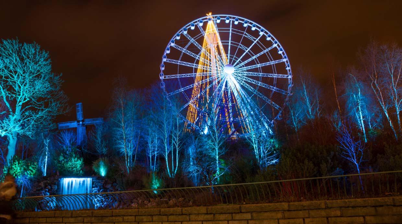 Las luces del parque temático Liseberg, el más grande de Escandinavia. (Foto: Shutterstock)