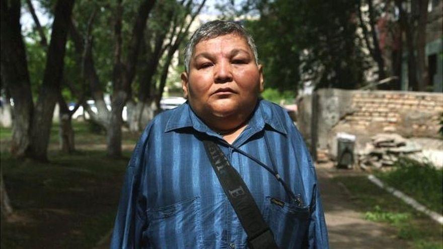 El activista kazajo Karipbek Kuyukov es una de las víctimas de la radiación.