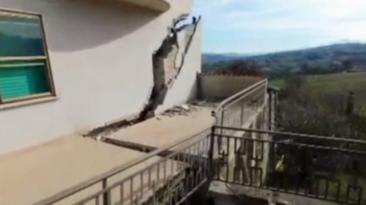 Italia: Ponzano, el pueblo que se derrumba un metro por día