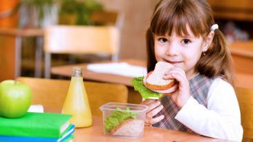 Tips para preparar loncheras saludables todo el año