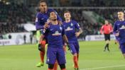 Werder Bremen, con Pizarro en el final, ganó 2-1 al Wolfsburgo