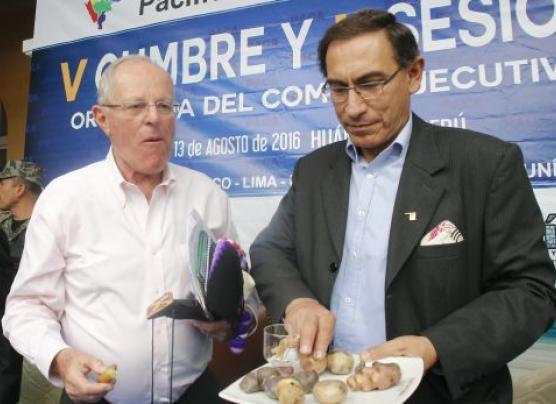 """PPK: """"Cuestionan sin base a Vizcarra, lo defiendo a rajatabla"""""""