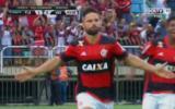 Diego anotó de penal para Flamengo y celebró pateando banderín