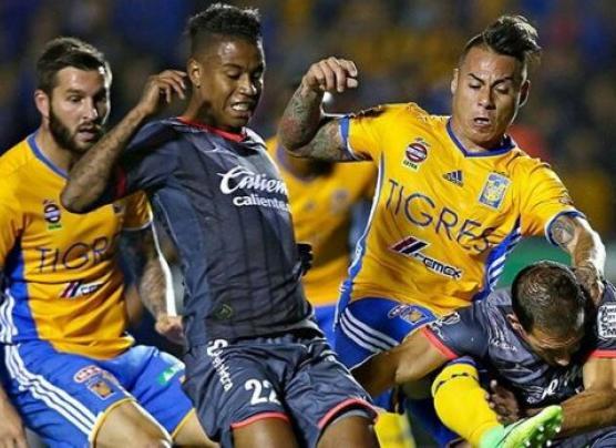 Tigres y Morelia empataron 1-1 con gol de penal de Raúl Ruidíaz