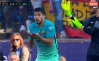 Barcelona: gol anulado a Suárez por infracción sobre Oblak