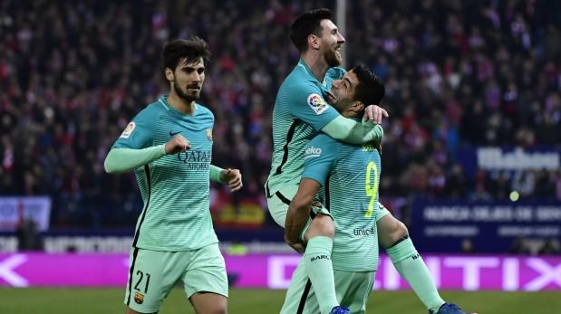 Barcelona tomó el liderato provisional de la Liga Santander tras ganar con goles de Rafinha y Messi al Atlético de Madrid. (Foto: AFP / Video: ESPN)