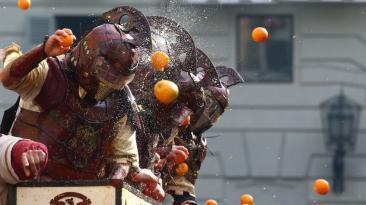 Carnaval en Italia: así se vivió la batalla de naranjas