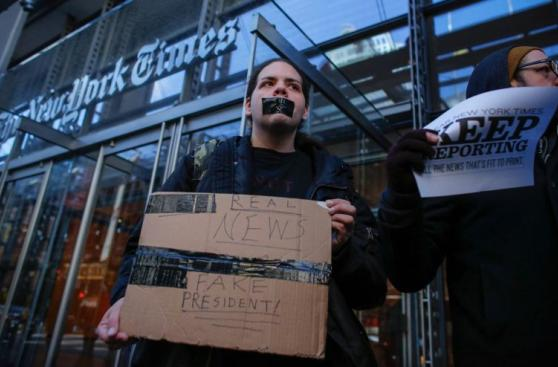 NY hace histórica protesta a favor de la prensa frente a Trump