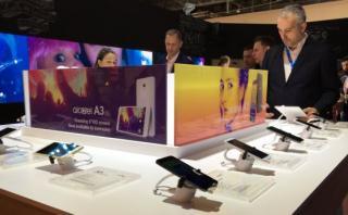 Los nuevos teléfonos que Alcatel presentó en el MWC 2017