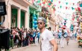 """Enrique Iglesias estrena su nueva canción """"Súbeme la radio"""""""