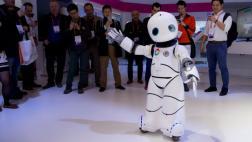 """Los robots que sorprenden con el """"Gangnam Style"""" en el MWC"""