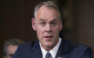 Trump: Confirman a Ryan Zinke como secretario de Interior