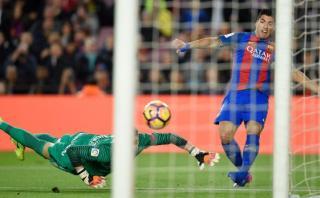 Barcelona: Suárez provocó autogol ante Gijón con esta jugada