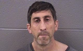 Lo condenan a 8 años de cárcel por grabar a niños en baños