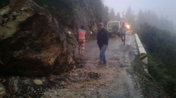 Un muerto y dos desaparecidos tras caída de huaico en Piura