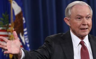 """Fiscal general de Trump: """"No tuve reuniones con agentes rusos"""""""