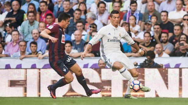 Gol y asistencia en la victoria del Real Madrid sobre Éibar — James