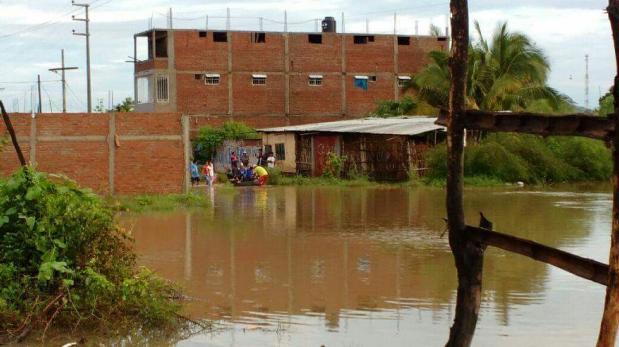 Desborde del río Piura deja unas 115 familias afectadas