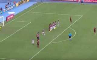 Guerrero anotó golazo de tiro libre que dio vida a Flamengo