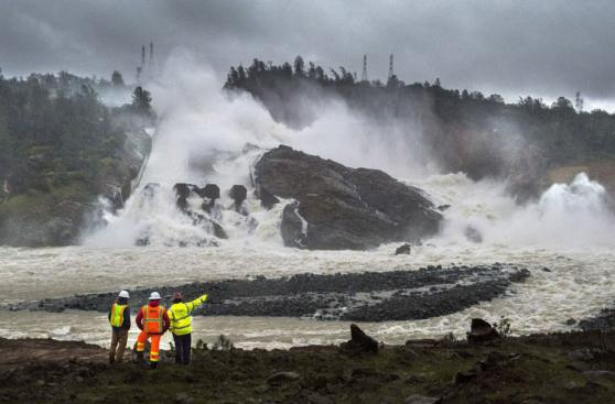 Así quedó la represa de Oroville tras fuertes tormentas