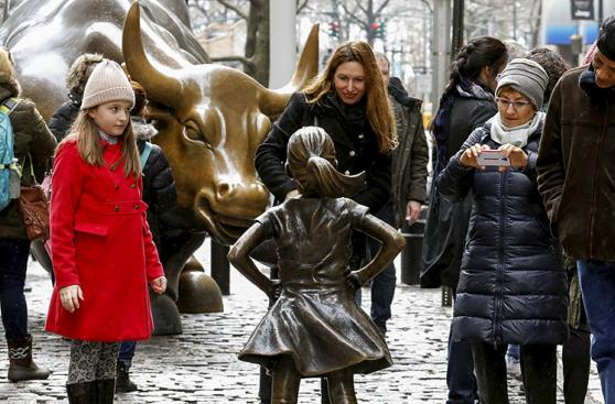 La estatua contra las brechas de género en Wall Street
