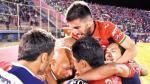 Mosquera: la foto del fraterno abrazo de los jugadores - Noticias de jorge wilstermann