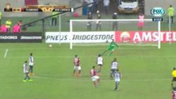 Trauco anotó espectacular gol con Flamengo en la Libertadores