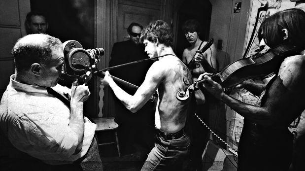 Nueva York, 1965. Los Velvet tocando para Venus in Furs, una película independiente del cineasta estadounidense Piero Heliczer. (Getty Images