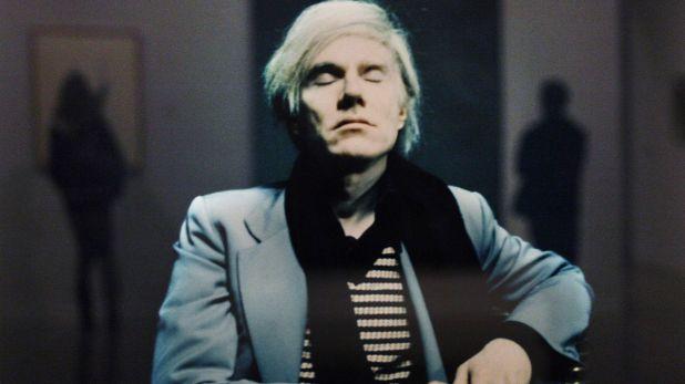 Un retrato del artista estadounidense Andy Warhol tomado por Timm Rautert. (REUTERS)