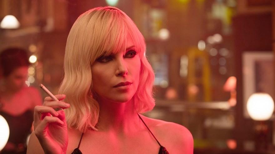 Charlize Theron aparece desnuda en tráiler de 'Atomic Blonde'