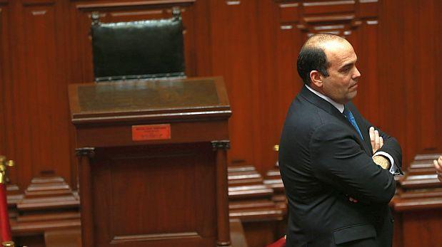 Zavala deberá acudir a Comisión de Constitución este viernes
