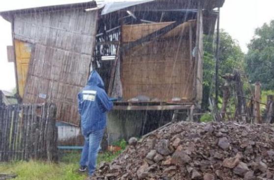 [BBC] Ecuador, afectado por fenómeno que genera huaicos en Perú